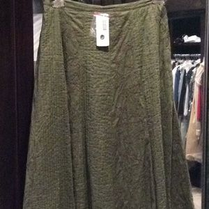 Olive green skirt, lined, Chicos size 1, nwt